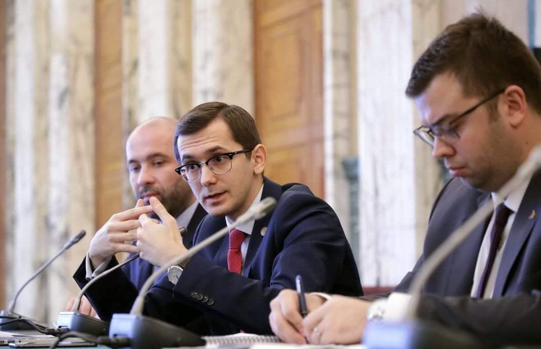 Reuters: PNL vrea să interzică Huawei în infrastructura telecomunicațiilor din România